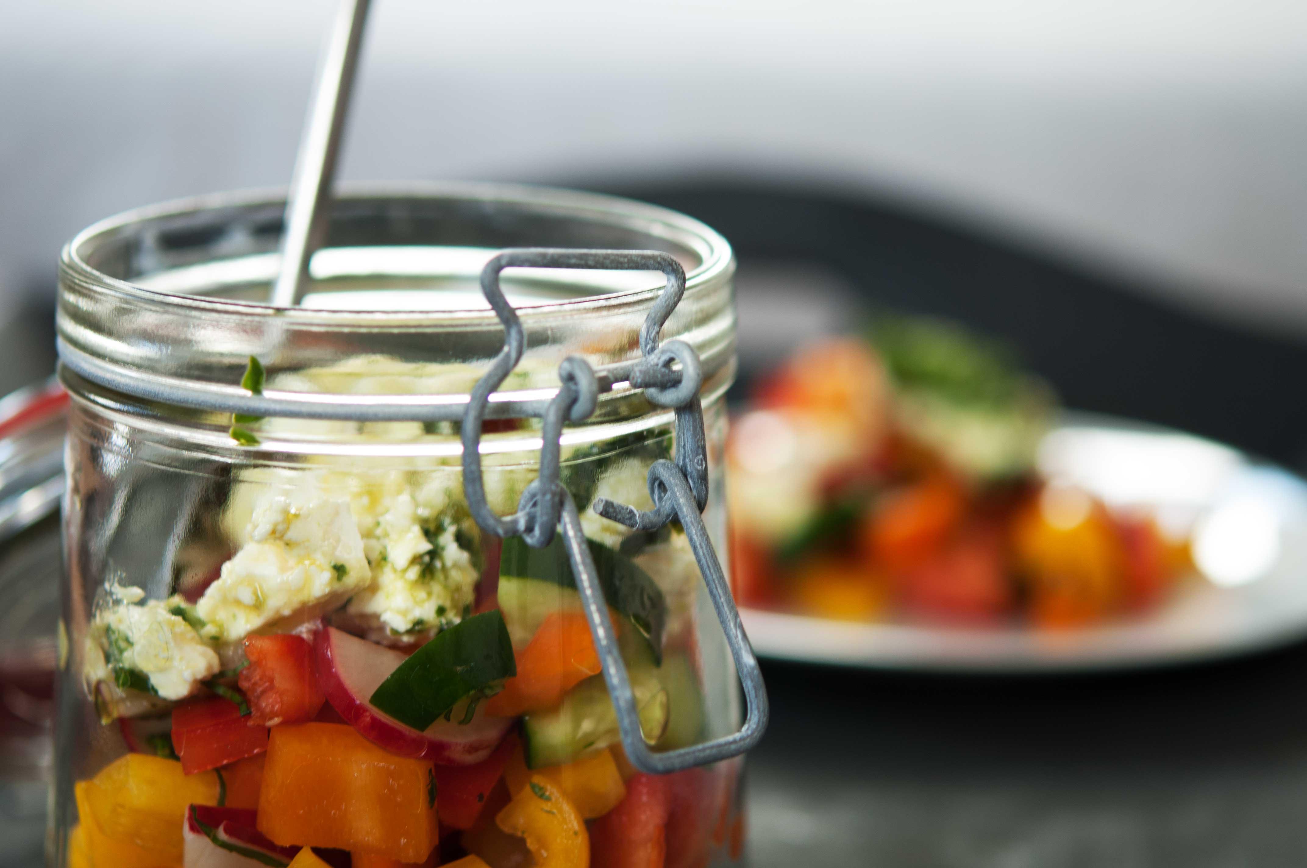 gemischter-Salat-mit-mariniertem-Feta-I_web