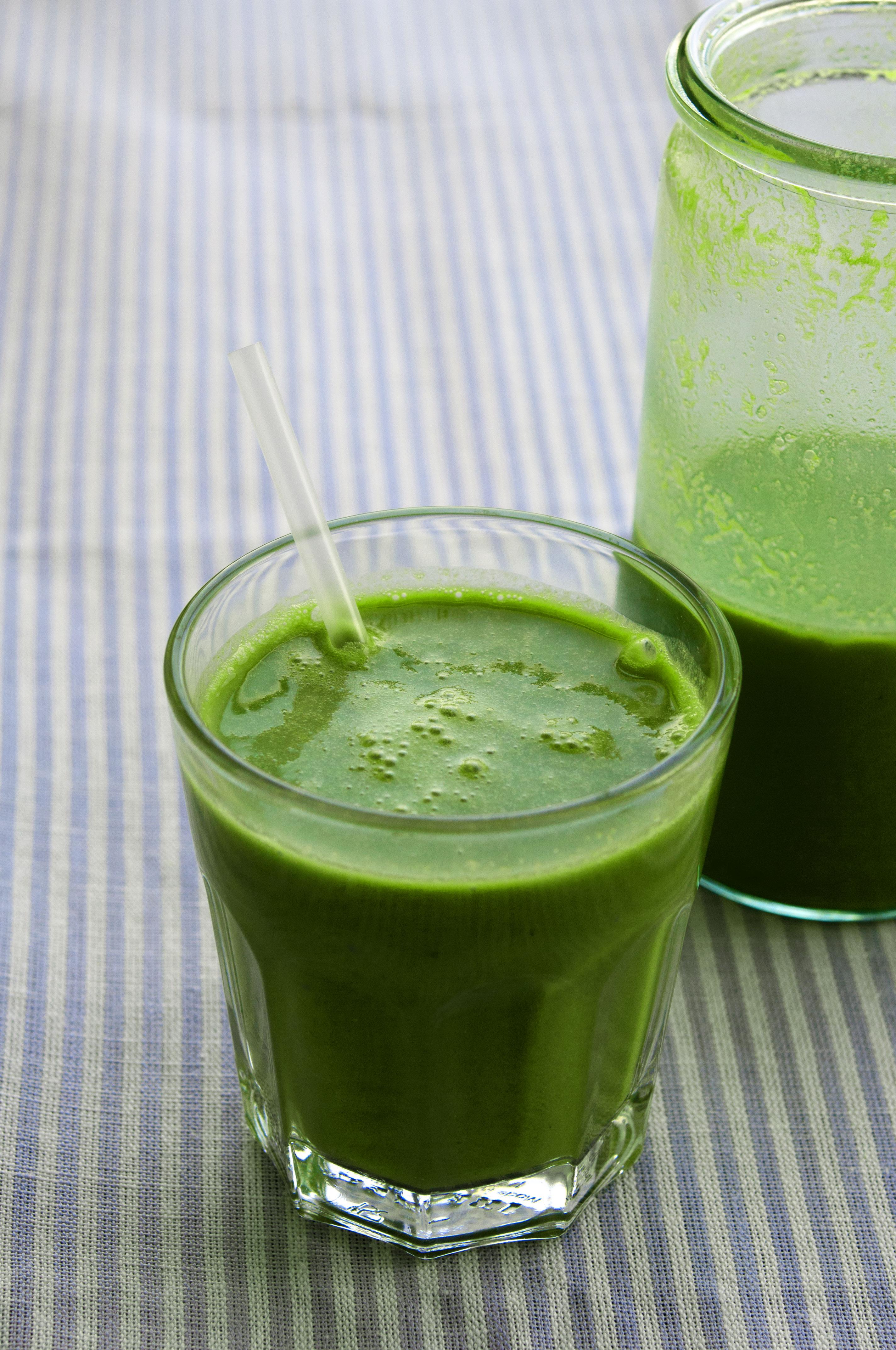 natürlich essen   grüner Vital-Smoothie   Lars Brouwers & Torsten Fleischer