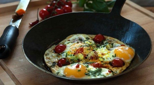 natürlich essen | Spiegeleier mit Tomaten | Lars Brouwers & Torsten Fleischer