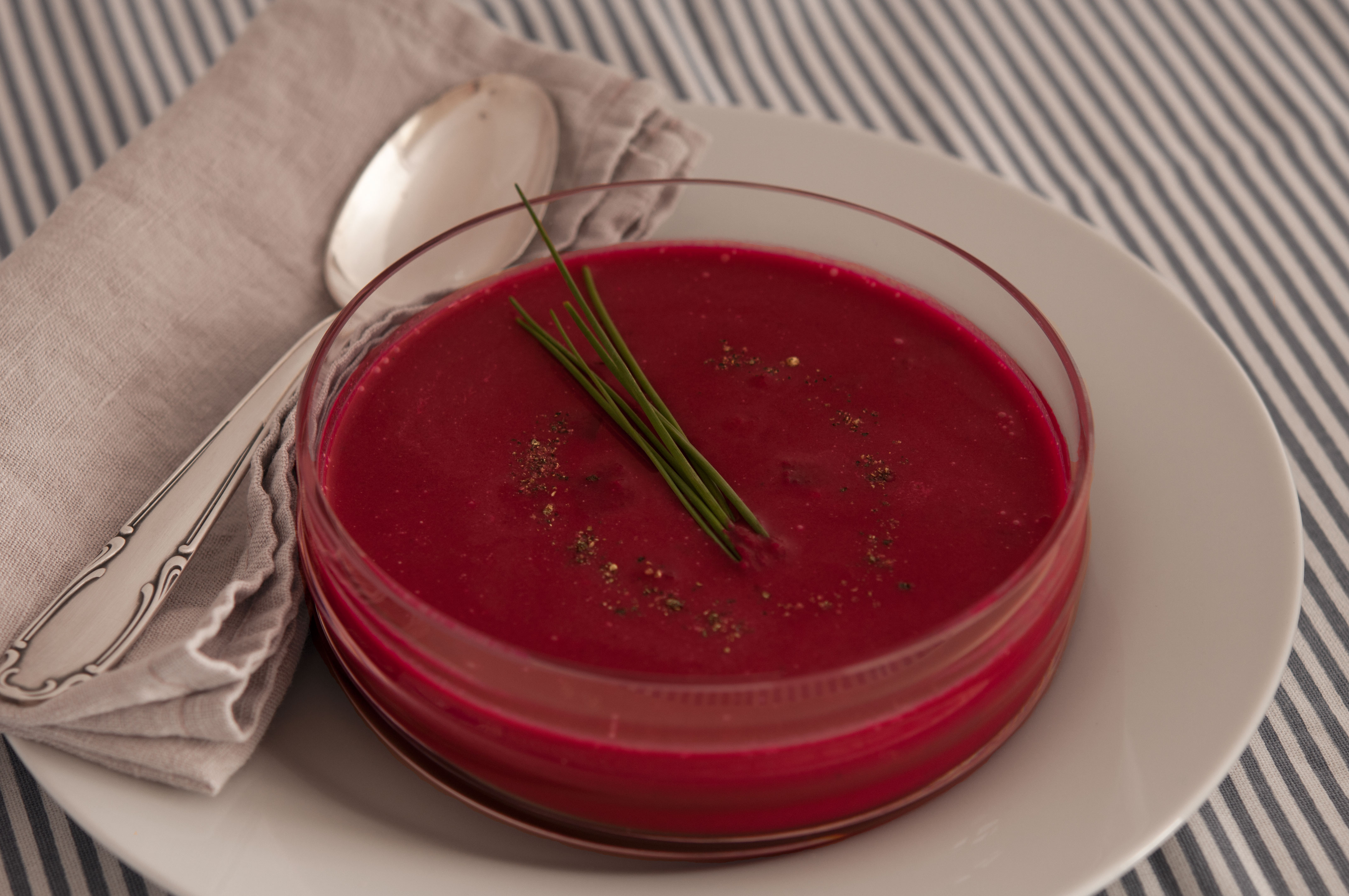 natürliche essen | Rote Beete Suppe |Lars Brouwers & Torsten Fleischer