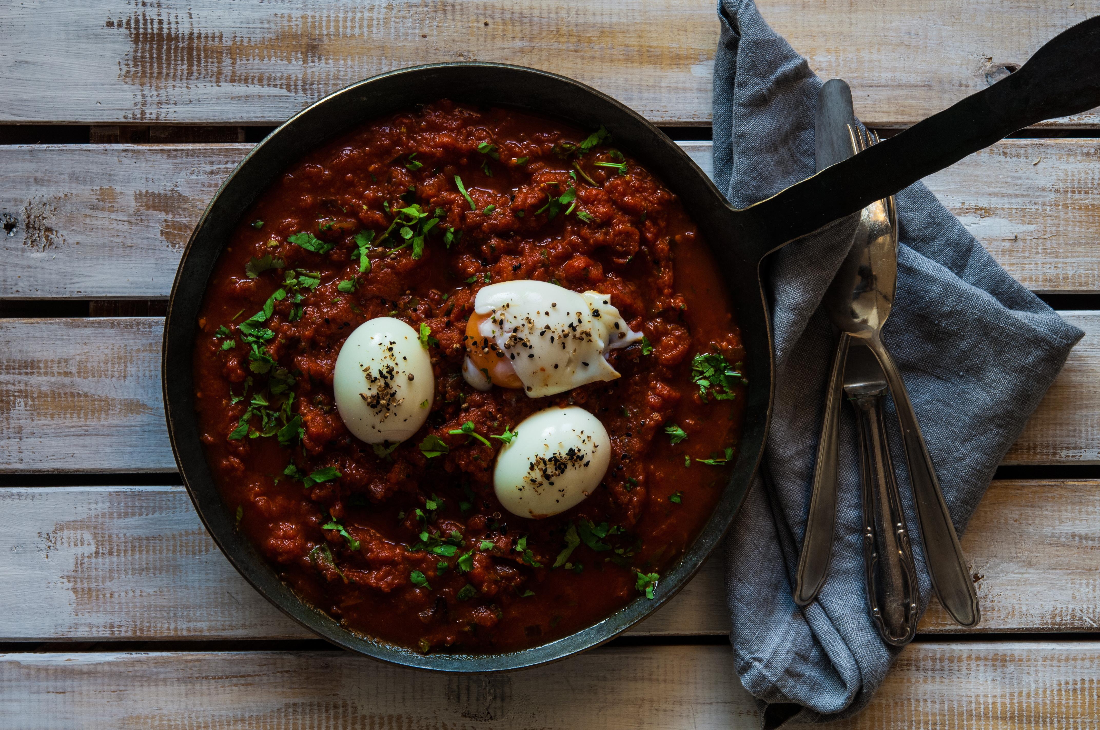 tomaten curry mit wachsweichem ei nat rlich essen ab. Black Bedroom Furniture Sets. Home Design Ideas