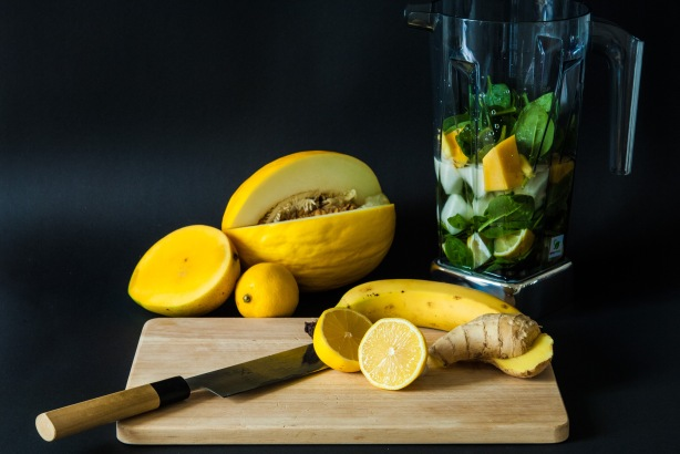 natürlich essen | grüner Smoothie im Bianco puro | Lars Brouwers & Torsten Fleischer